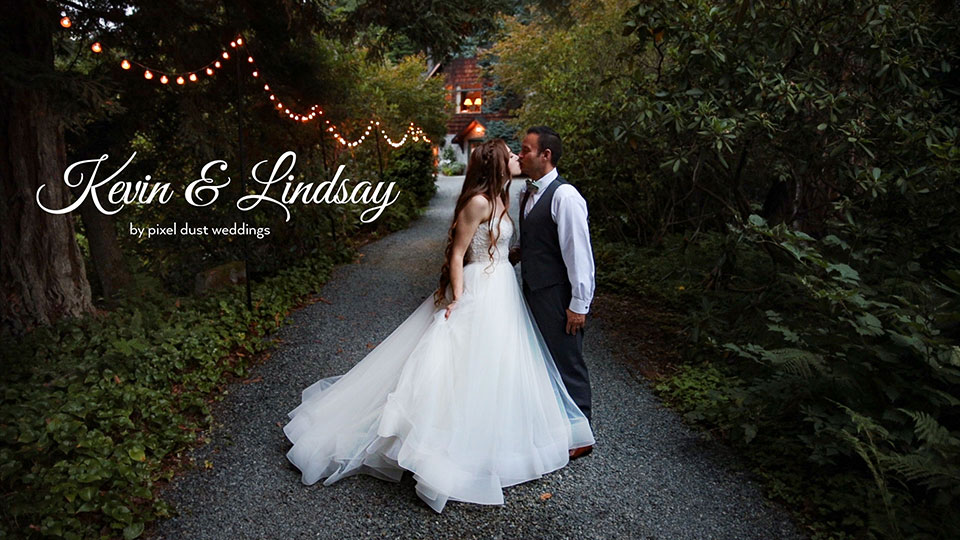 wedding videography at bella luna farms in snohomish. beautiful wedding dress